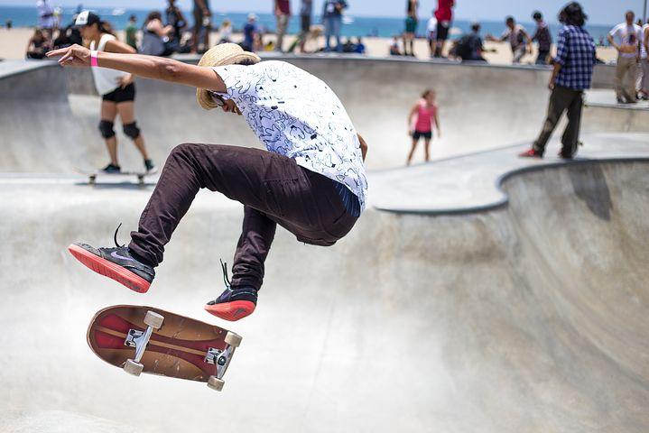 skater-821502__480